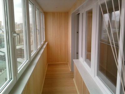 Обшивка балкона деревянной вагонкой - отделка лоджии по стар.